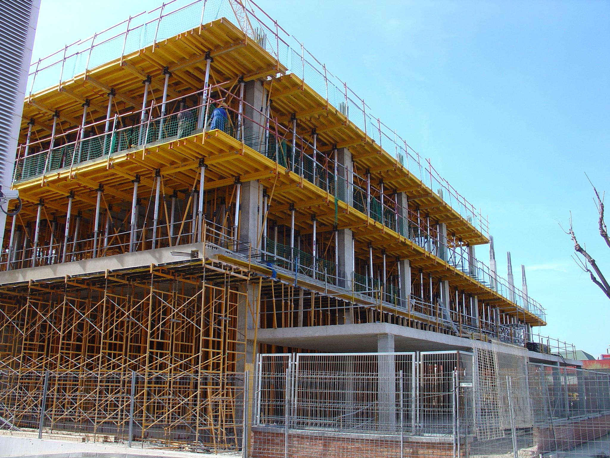 Proyectos de construcci n y reforma de edificios for Construccion de locales comerciales y oficinas